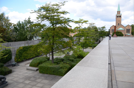 Neue Nationalgalerie, view of plaza and garden, 1968, Berlin. Mies van der Rohe, architect.